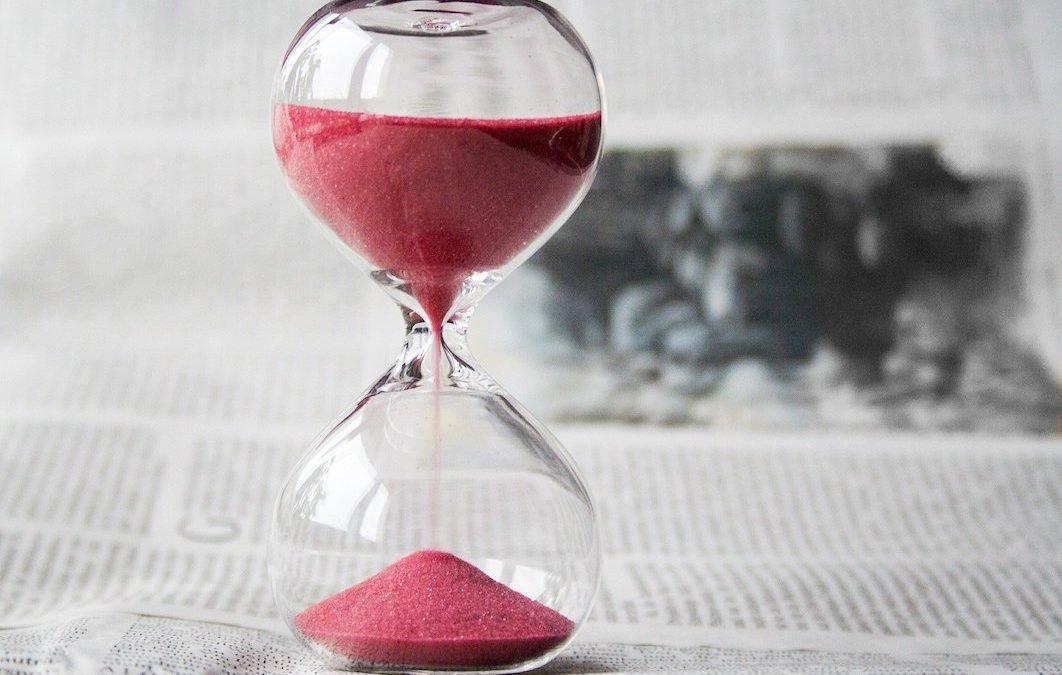 hourglass-timeline